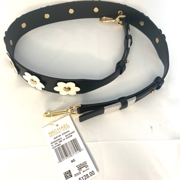 Michael Kors Flower purse strap 🌸 🌺